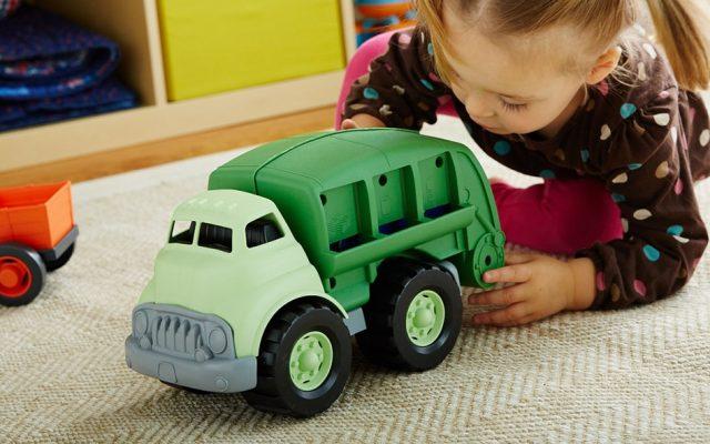 برای کودکان خود و فرزندان چه اسباب بازی و عروسکی بخریم؟